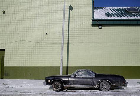 Cermin Ford mobil tua dan rusak cermin merosotnya ekonomi kota detroit