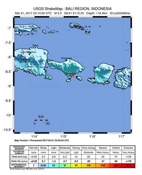 earthquake bali today 2017 breaking tsunami fears as strong earthquake hits