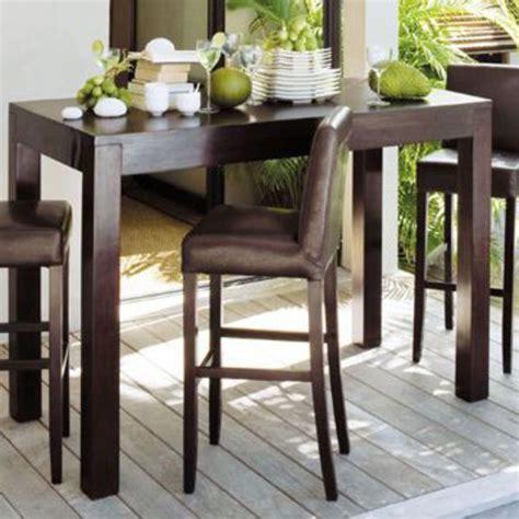 Exceptionnel Table Bar De Salon #2: Ambiance-exotique-autour-de-la-table-haute_4831560.jpg