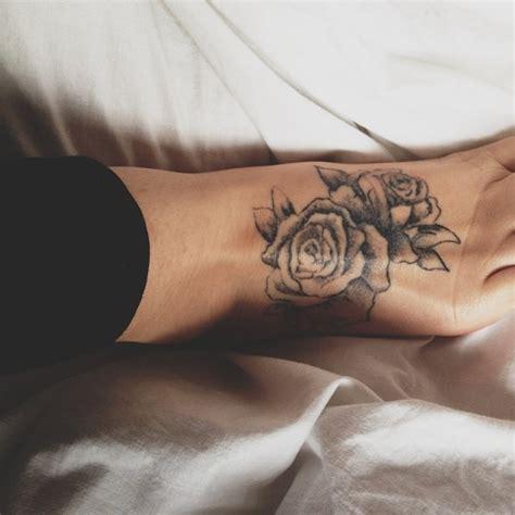 flower pattern tattoo tumblr 10 foot rose tattoo designs pretty designs