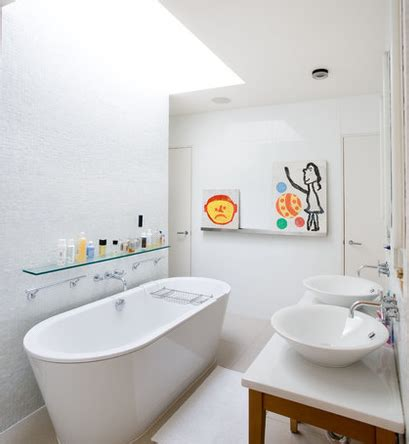 Karpet Anti Selip desain kamar mandi yang aman untuk anak rumah minimalis