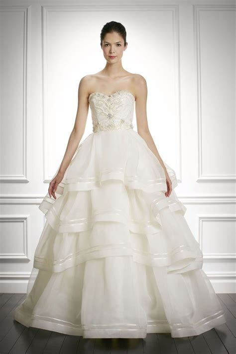 Sweet Carolina Herrera 9 Sophisticated New Wedding