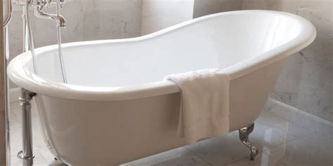 can a fiberglass bathtub be refinished bath tub refinishing refinishing before can a fiberglass