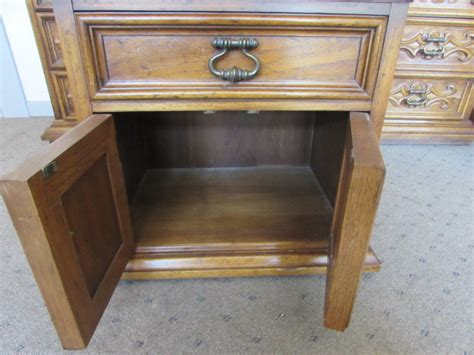Well Made Couches by Lot Detail Well Made Drexel Furniture Nightstand