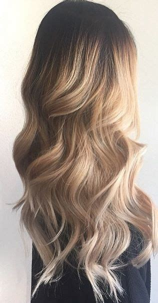 Hairstyles For Wavy Hair by 25 Best Ideas About Wavy Hairstyles On
