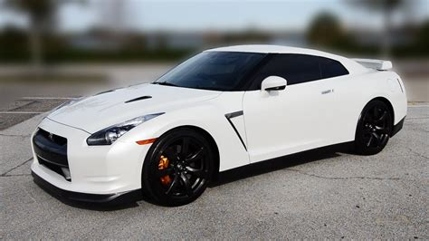 nissan white white gtr pictures wallpaper 1280x720 18096