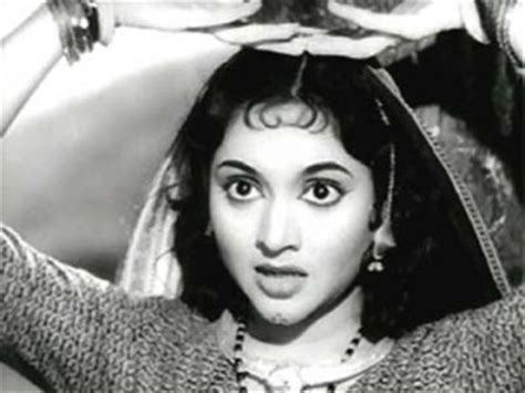 hindi film actress date of birth vyjayanthimala biography birth date birth place and pictures