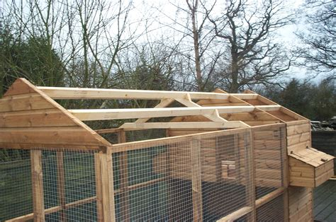 covered run powys chicken coop with covered run pads4pets