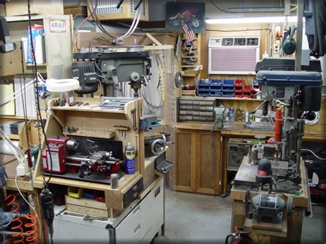 knive shop stan wilson knives overview of shop pic 3