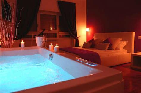 hotel roma con vasca idromassaggio suite con vasca idromassaggio cromoterapica foto di le