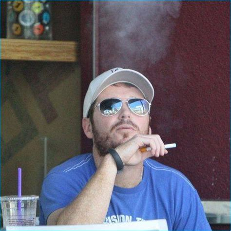 hollywood celebrities who smoke weed 17 best images about look who s vaping on pinterest