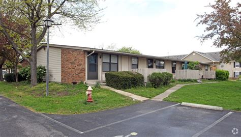 Forsythia Court Apartments by Forsythia Court Apartments Rentals Westerville Oh Apartments