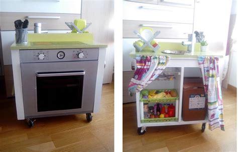 guardarropa de juguete c 243 mo convertir un mueble en una cocinita de juguete