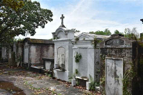 image gallery new orleans graveyards
