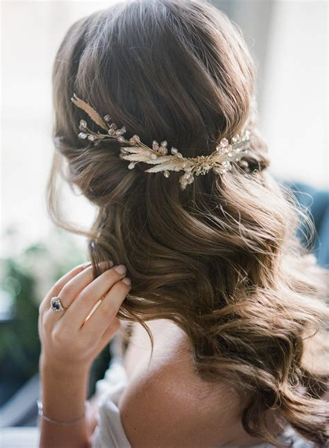 modern vintage wedding hair for women in their fortys modern renaissance heavenly modern vintage wedding