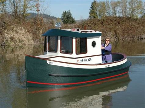 the quot j quot tug was built from berkeley engineering co