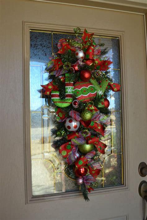 christmas door swag ideas 401 best wreaths door decor images on crafts ideas