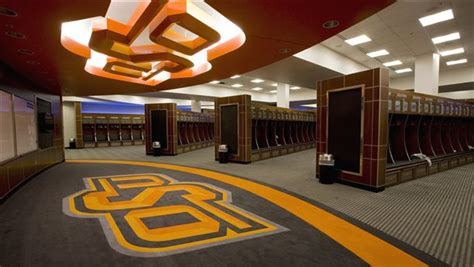 college locker room arms race the top locker rooms in college football saturday south