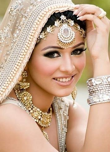 Wedding Hair Accessories For Buns by 20 Chic Indian Bridal Hair Accessories To Die For