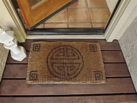dusty coyote doormat design