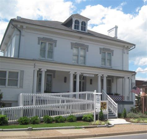 Virginia Quilt Museum by Top 10 Things To Do Near Country Inn Suites By Carlson