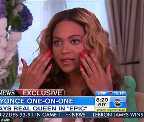 beyonce removed tattoo beyonce displays faded wedding ring sparking