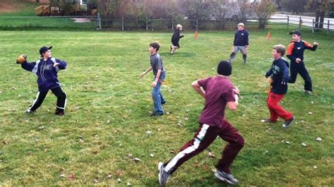 kids playing backyard football the gallery for gt kids playing backyard football