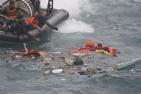 refugee boat crash christmas island disaster asylum seekers killed