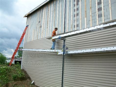 how to put vinyl siding on a house how to install siding on house 28 images 5 easy steps on how to install vinyl