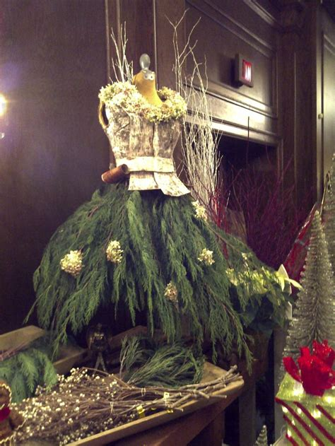 12 christmas tree dress ideas inspirationseek com