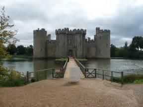 modern castle bodiam castle s modern entrance 169 jeremy bolwell cc by sa