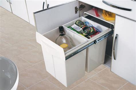 poubelle de tri cuisine poubelle de cuisine encastrable 2x20 litres cacpo006
