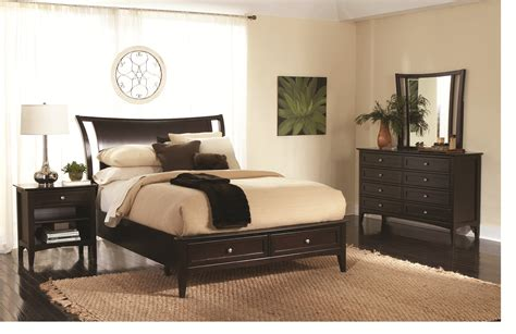 furniture classic modern bedroom design with black