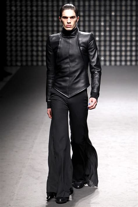 gareth pug gareth pugh fashion fall winter 2011 2012 shows vogue it