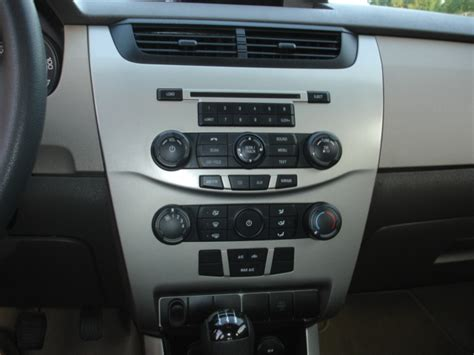 2009 Ford Focus Interior by 2009 Ford Focus Pictures Cargurus