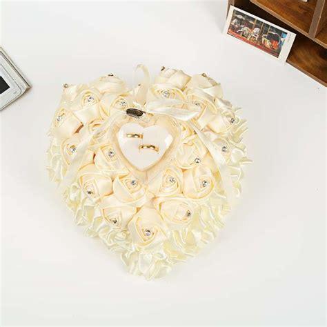 cuscino a forma di cuore portafedi con i fiori foto 20 39 matrimonio pourfemme