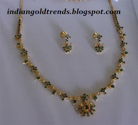 simple light weight emerald gold necklace set