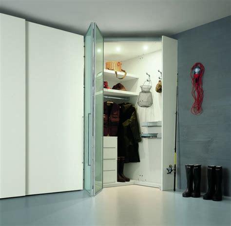 portes de pliantes les portes de placard pliantes pour un rangement joli et moderne