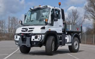 Mercedes Trucks 2014 2014 Mercedes Unimog U 423 Front Three Quarters View