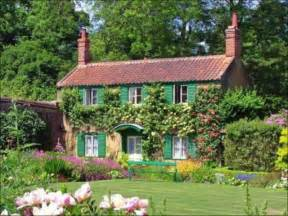 Lovely Small Cottages Ideas House With Small Cottage Garden Ideas Beautiful Homes Design