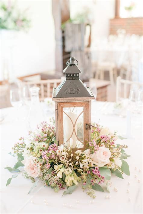 small centerpieces for tables 25 best ideas about wedding centerpieces on
