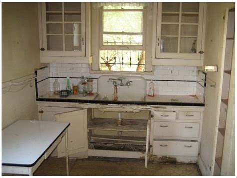 best 25 bungalow kitchen ideas on pinterest craftsman kitchen split 25 best ideas about bungalow kitchen on pinterest