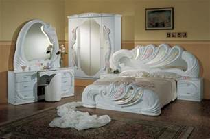 White Vanity Set For Bedroom Vanity White Italian Classic 5 Bedroom Set
