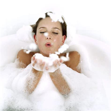 donne fanno la doccia la doccia dopo palestra un incubo di coordinazione e
