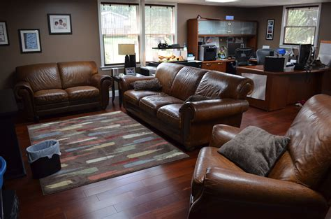 leather sofa with wood floors some ideas and tips on dealing with the living room layout