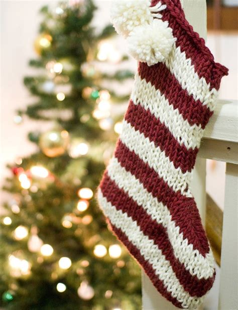 pattern for christmas stocking knit knitted christmas stocking pattern feliz navidad pinterest