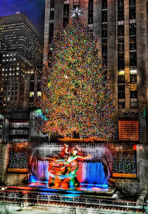 when do they remove rockefeller christmas tree rockefeller tree