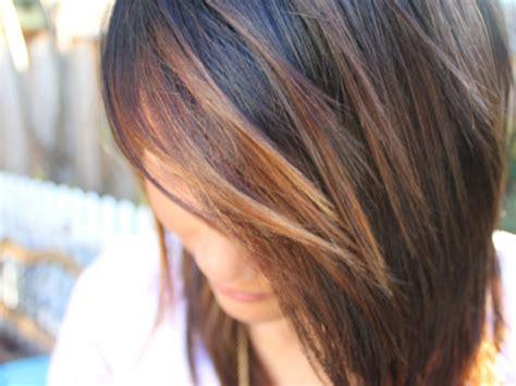 short haircuts in light brown carmel highlights striking brown hair highlights medium hair styles ideas