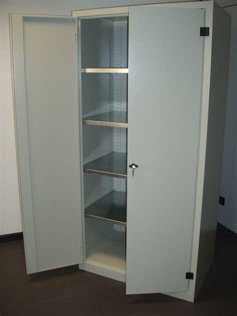serrature per armadi metallici armadi metallici con serratura costruiti in lamiera d