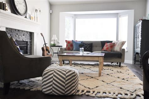 how to decorate around a shaggy rug
